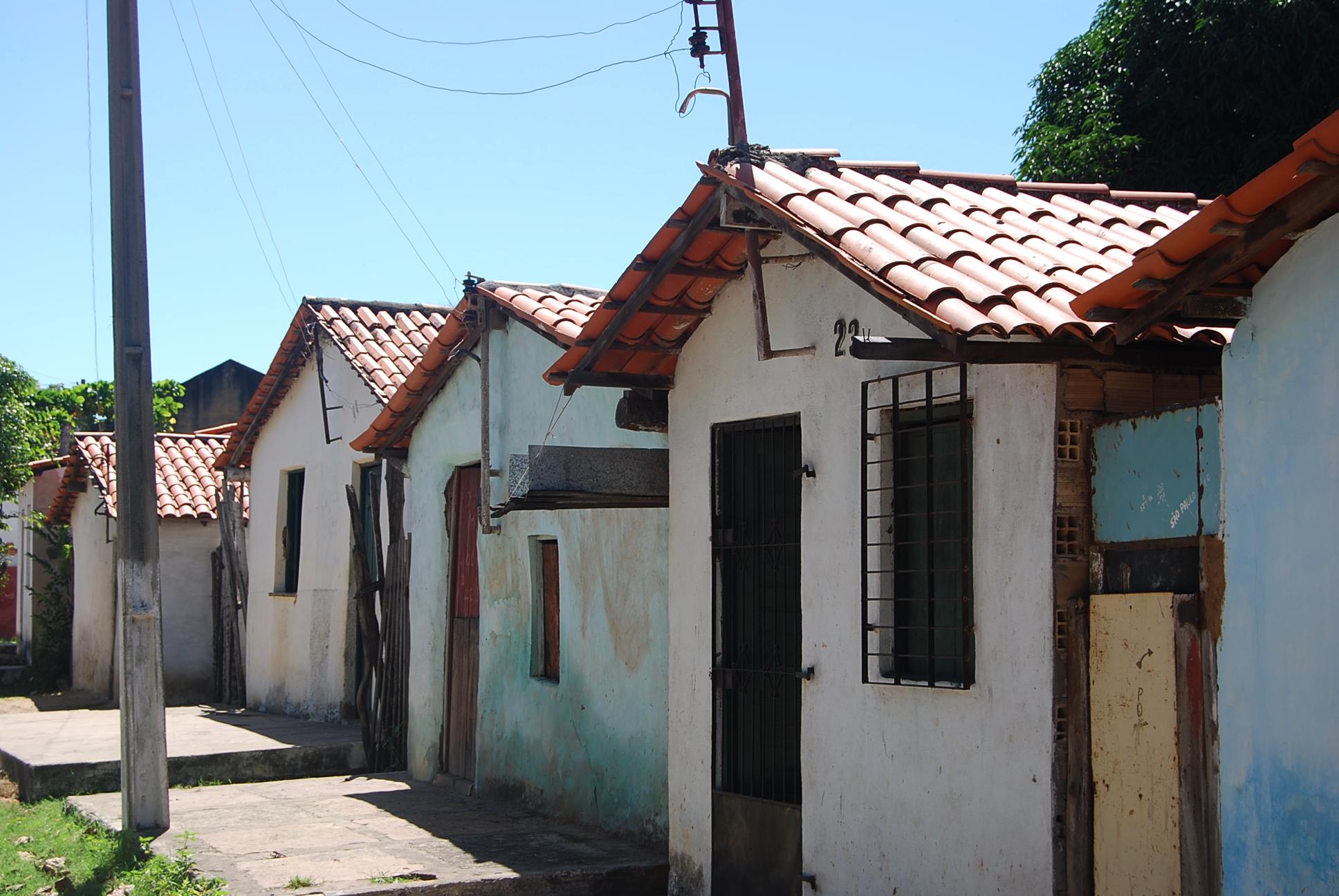 Casas em uma rua na cidade de Parnaíba (PI). Integrar a história local com a história macro do país pode aumentar o interesse do aluno pela disciplina de História.